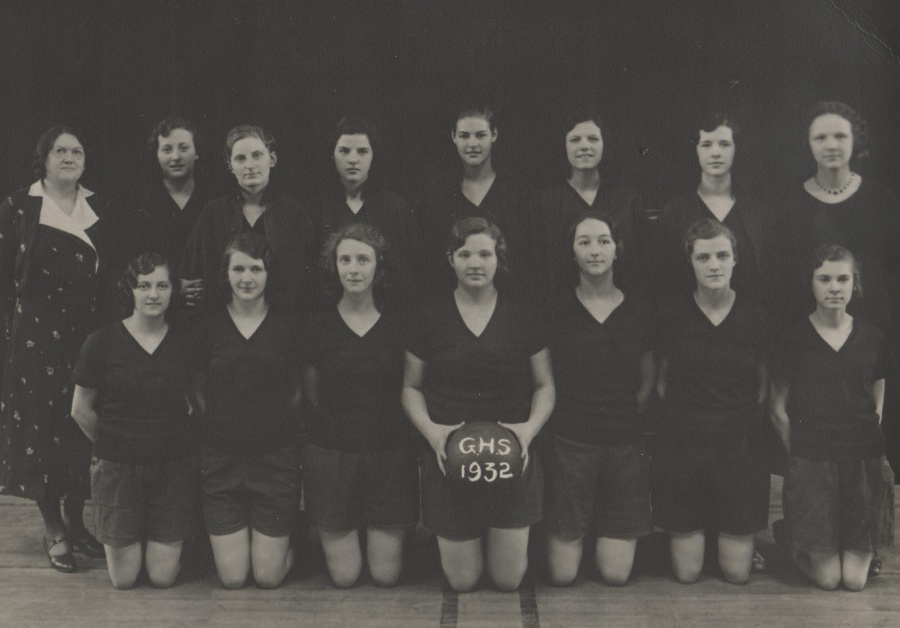 1932 - GHS Girls Basketball Team